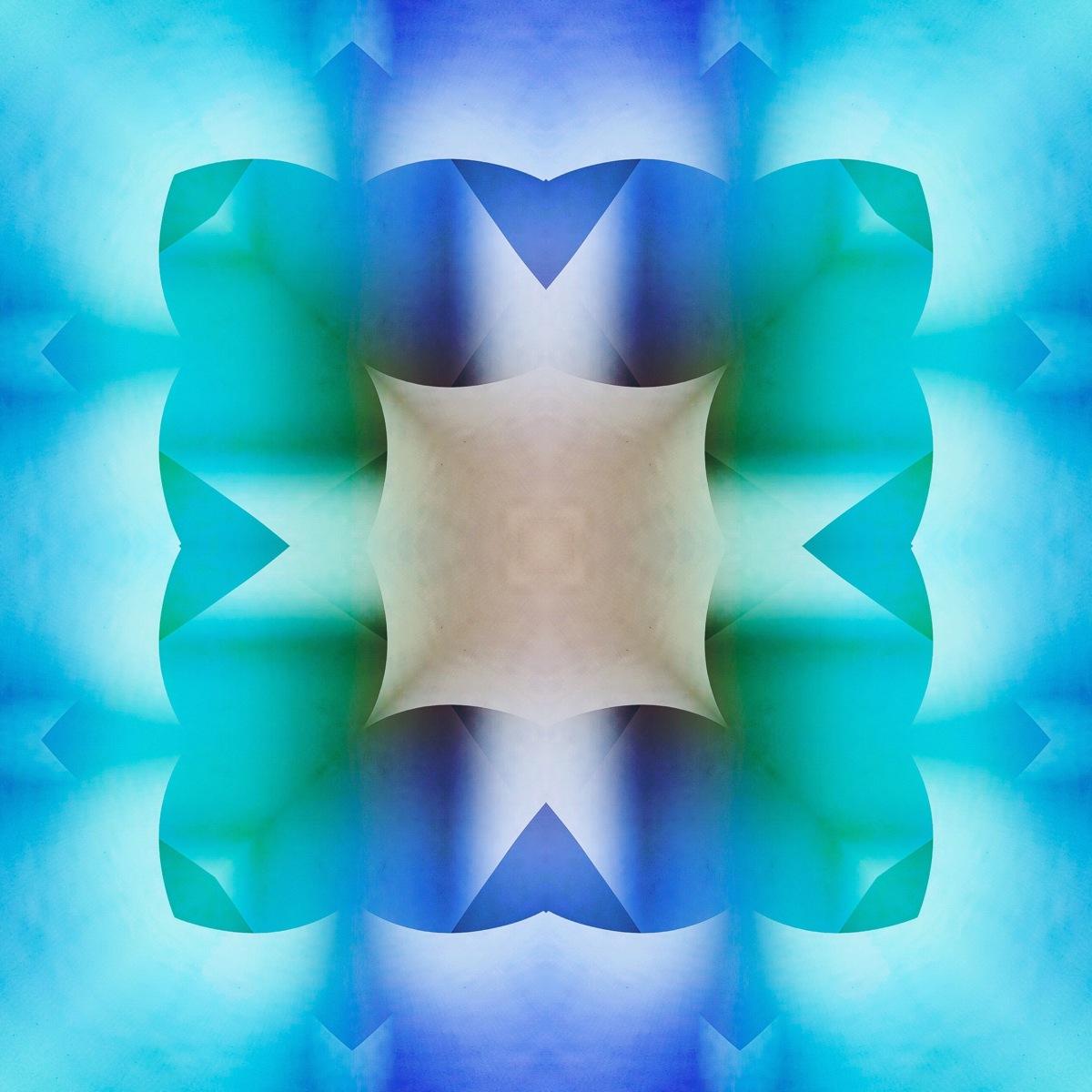 BLUE SQUARE FOLD (large view)