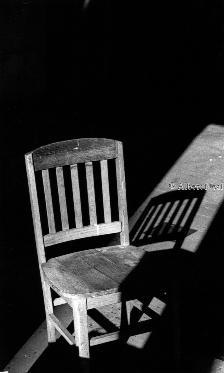 Chair in Empty  Store, Rahway NJ (large view)