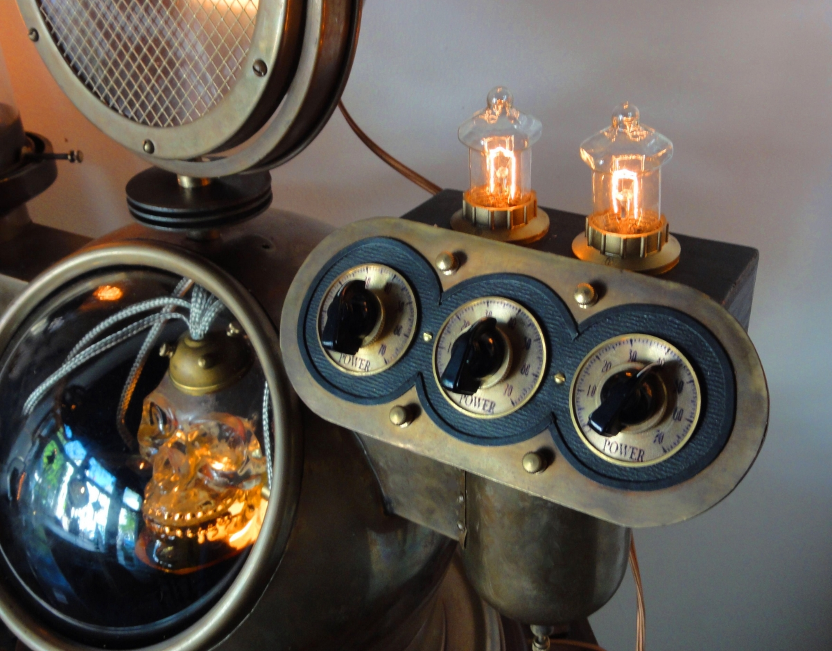 """""""Electric Skull""""  Steampunk Illuminated Sculpture. (large view)"""
