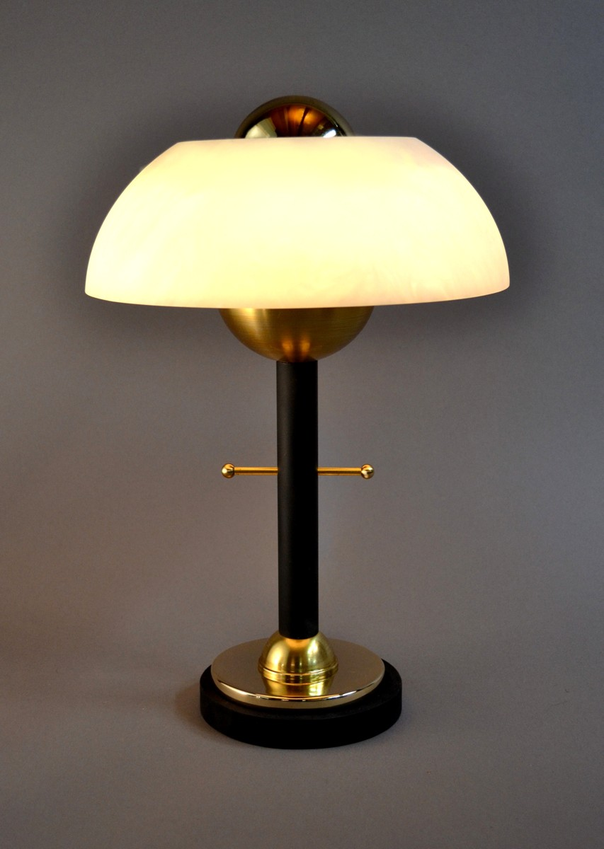 'petite odeon', accent table lamp.  summer golden collection. (large view)