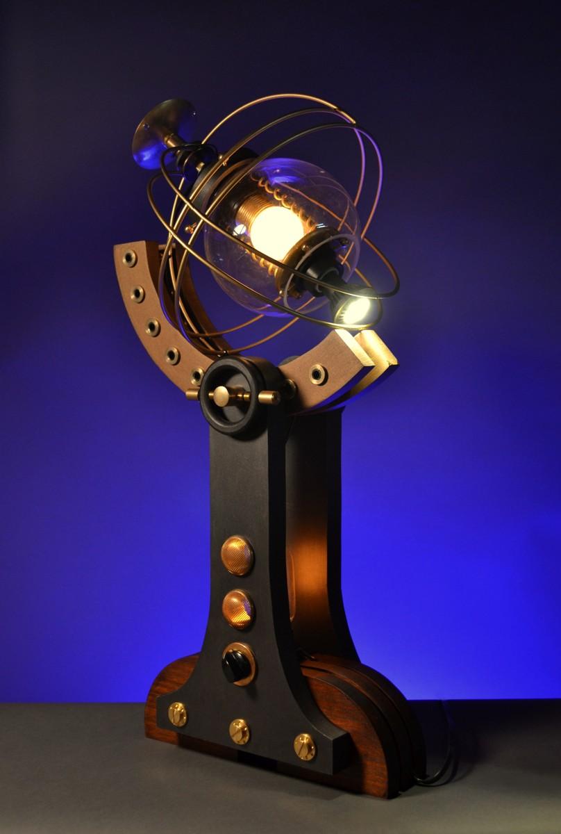 'Captain Jacques' table light (large view)