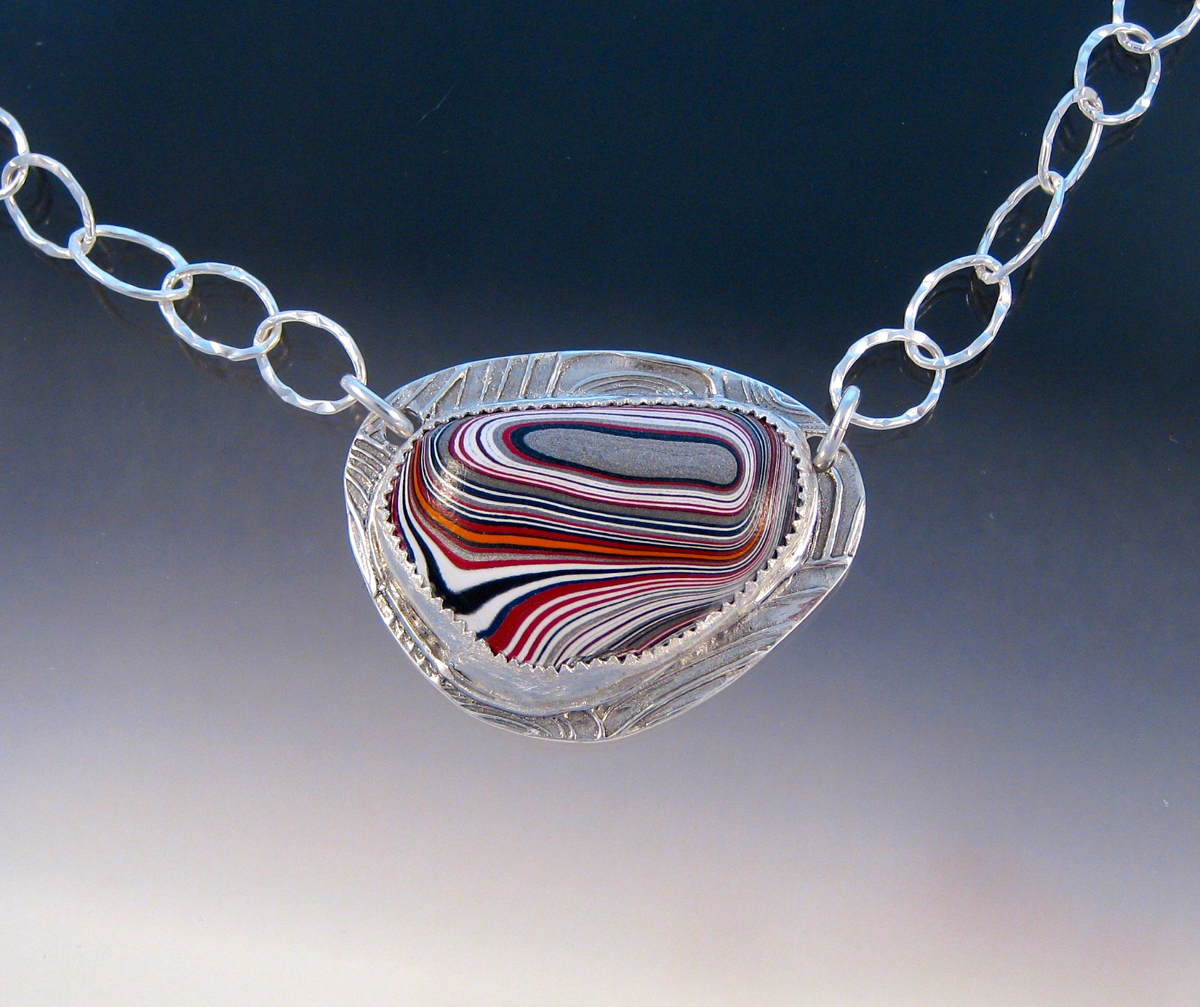 P4415 - Corvette Fordite necklace (large view)