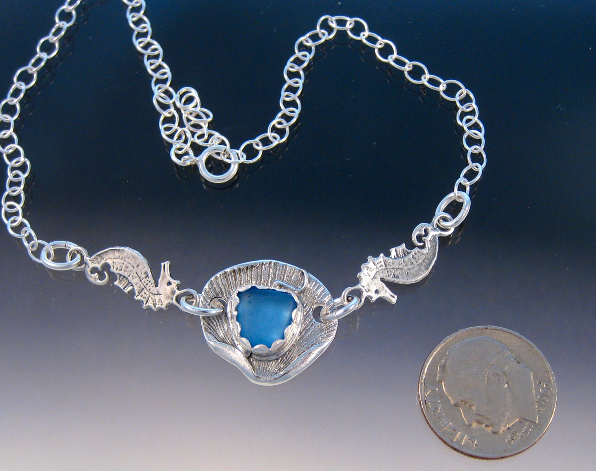 A5 - Cornflower seashell and seahorse anklet (large view)