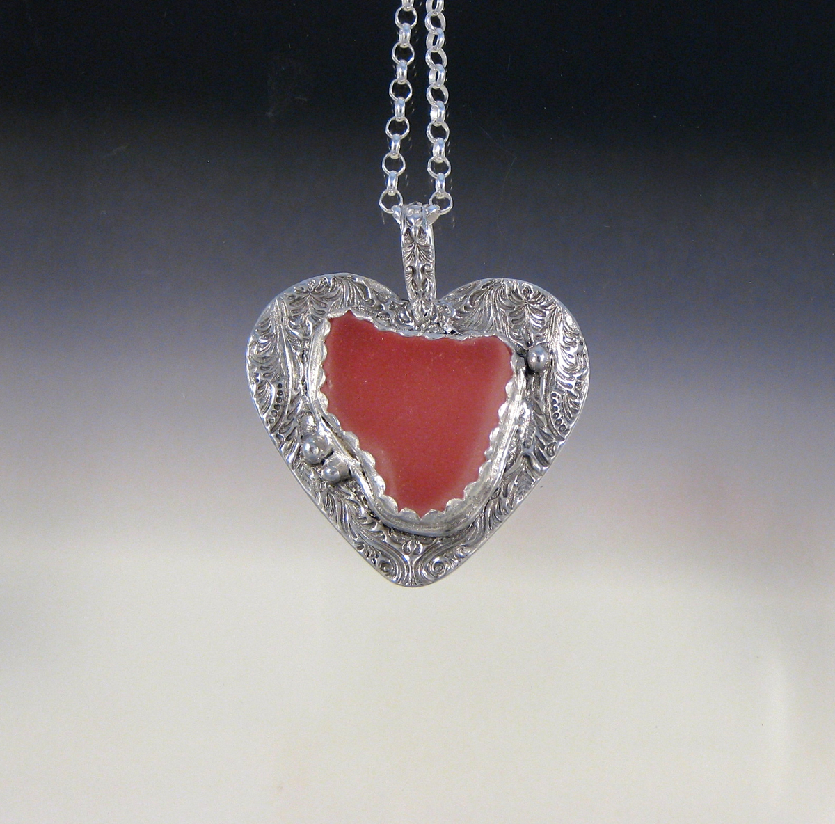 P4977 - Big pink heart pendant (large view)