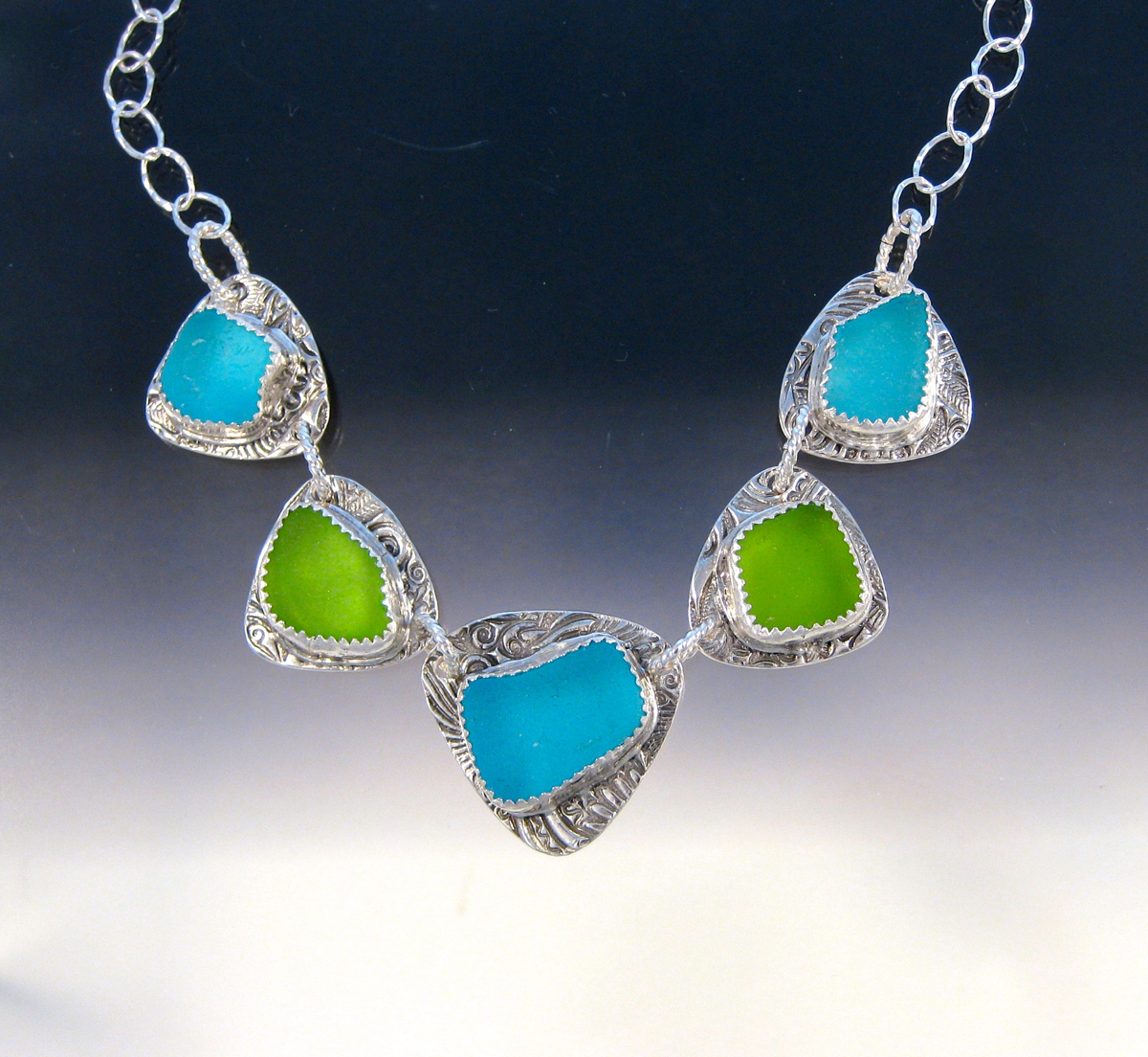 P5080 - Turquoise and lime green necklace (large view)