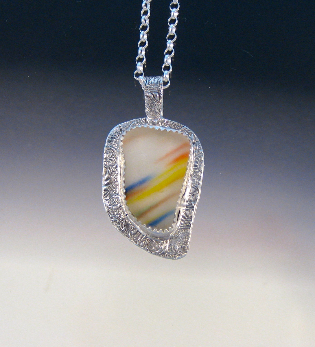 P5145 - Rainbow and white flash glass pendant (large view)