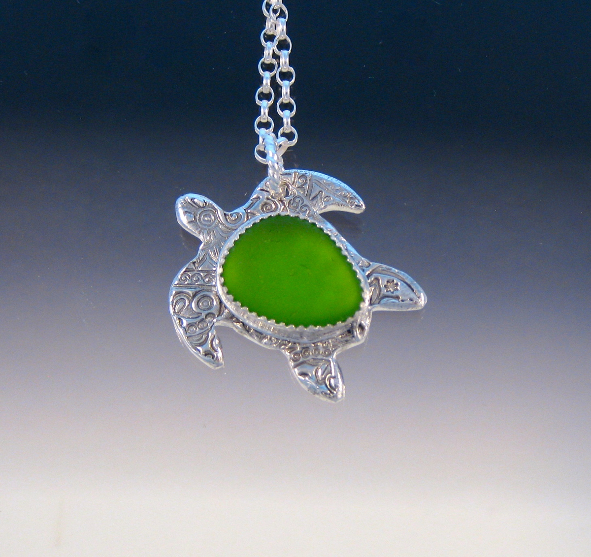 P5197 - Lime green sea turtle (large view)