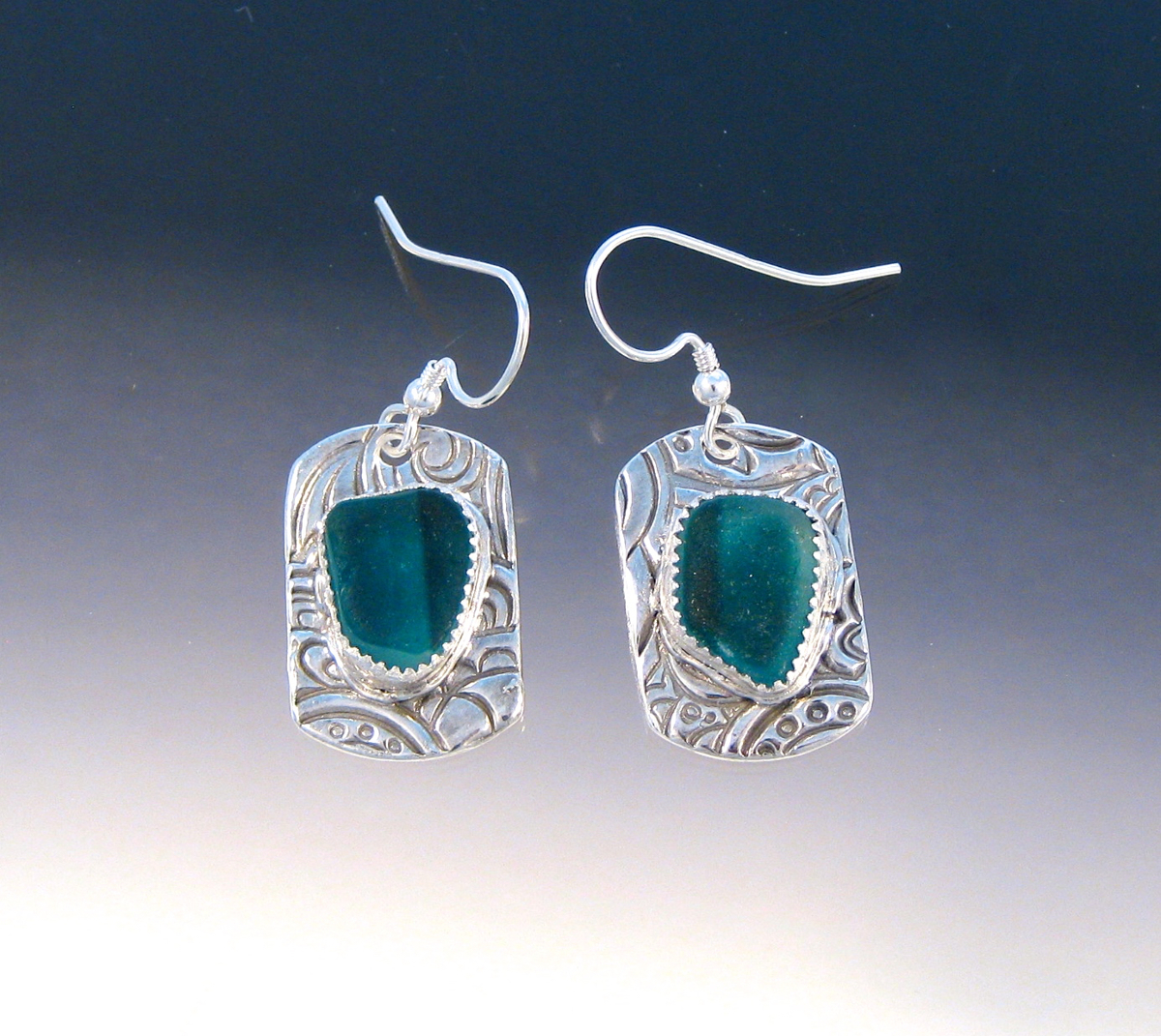 E992 - teal green flash glass in dog tag earrings (large view)
