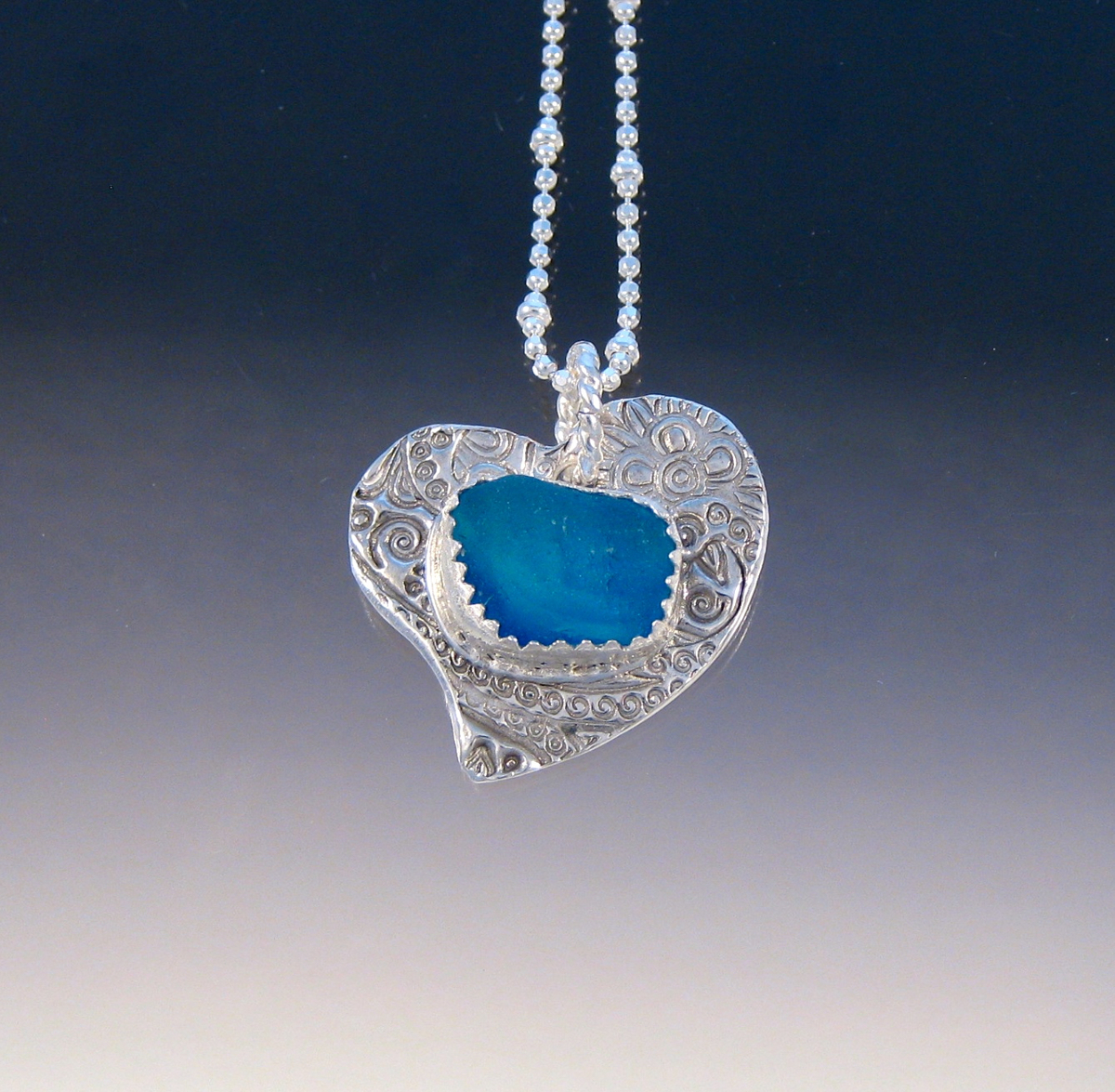 P5234 - Heart with bright flashy blue sea glass (large view)