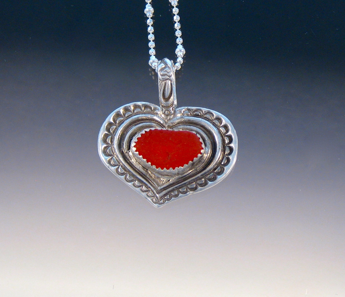 P5246 - Orangey/red heart pendant (large view)