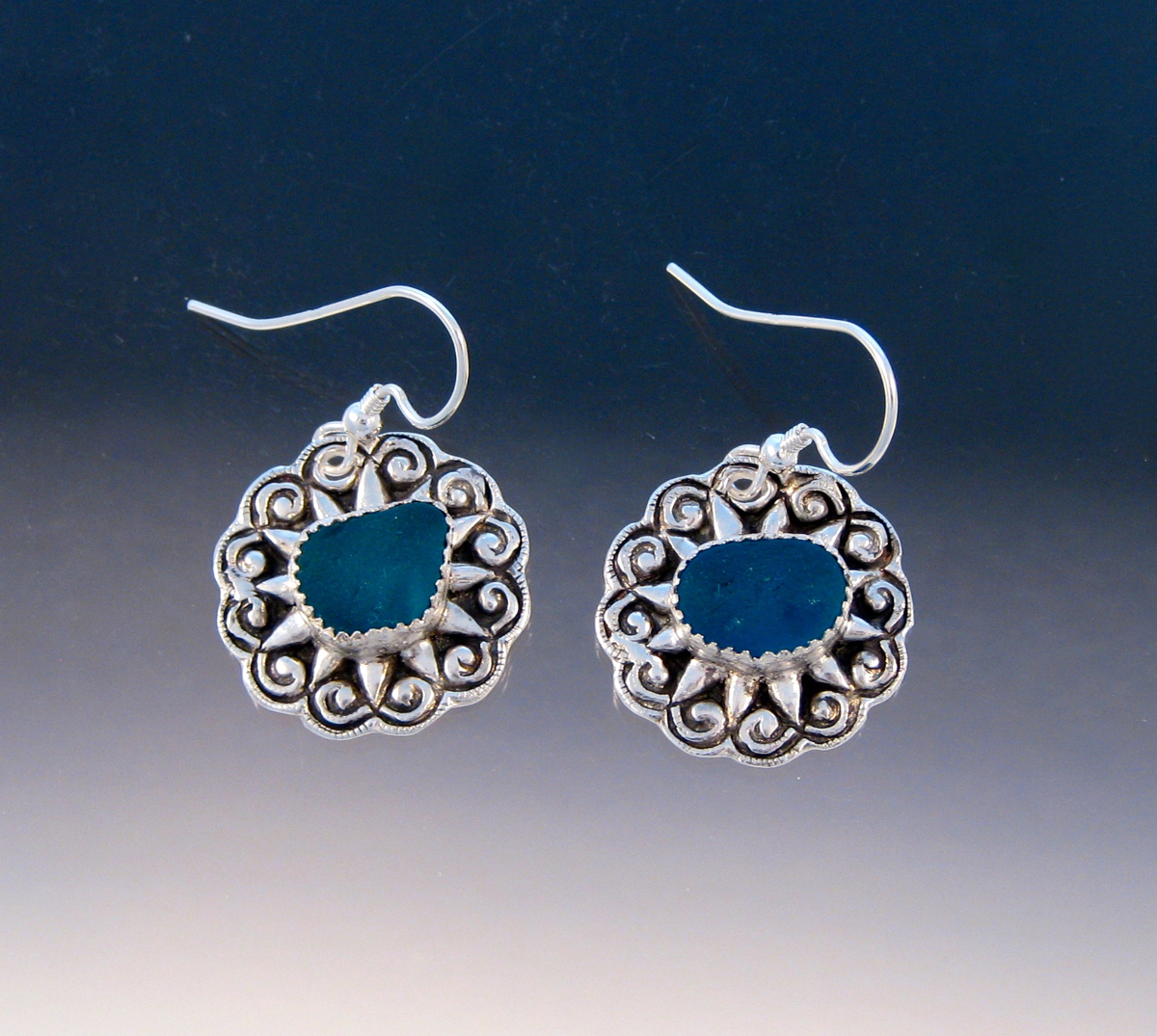 E998 - Teal vintage button earrings (large view)
