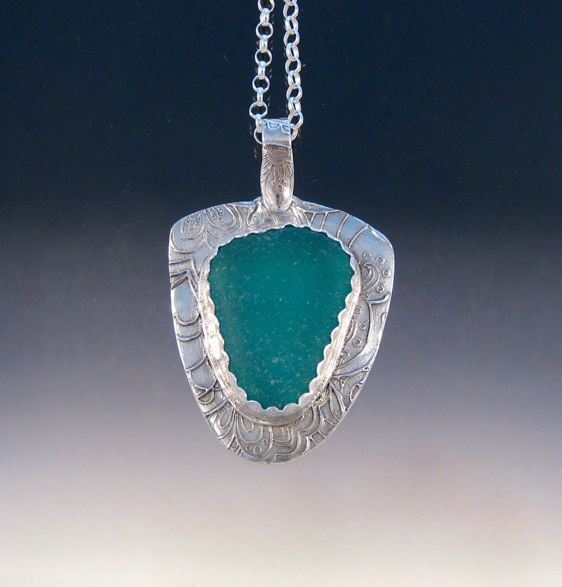 P5407 - Big teal sea glass pendant (large view)