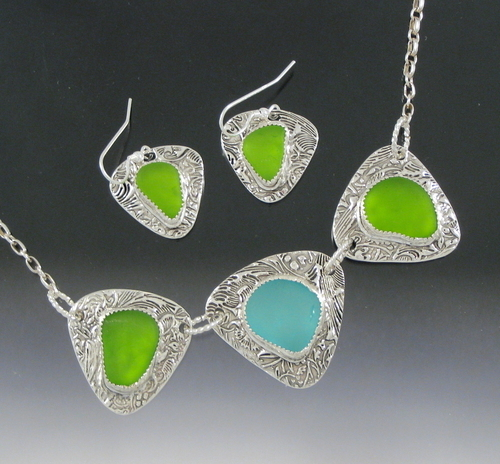 Lisa's 3  piece necklace/earring set