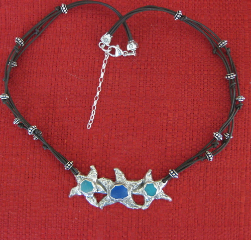 3 Starfish Necklace (large view)
