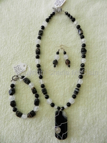Agate, Black Onyx, Crystle Crackled Quartz, Necklace w/Pendant, Bracelet & Earrings