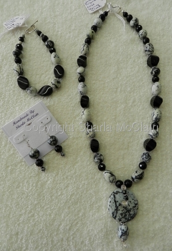 White Turquoise Jasper, Black Onyx Necklace W/Pendant, Bracelet & Earrings