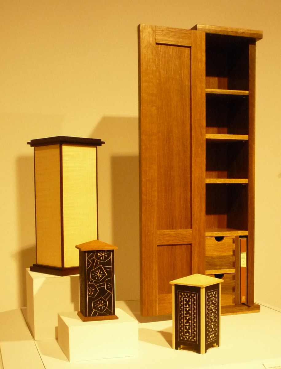 Tea cabinet and urns (large view)