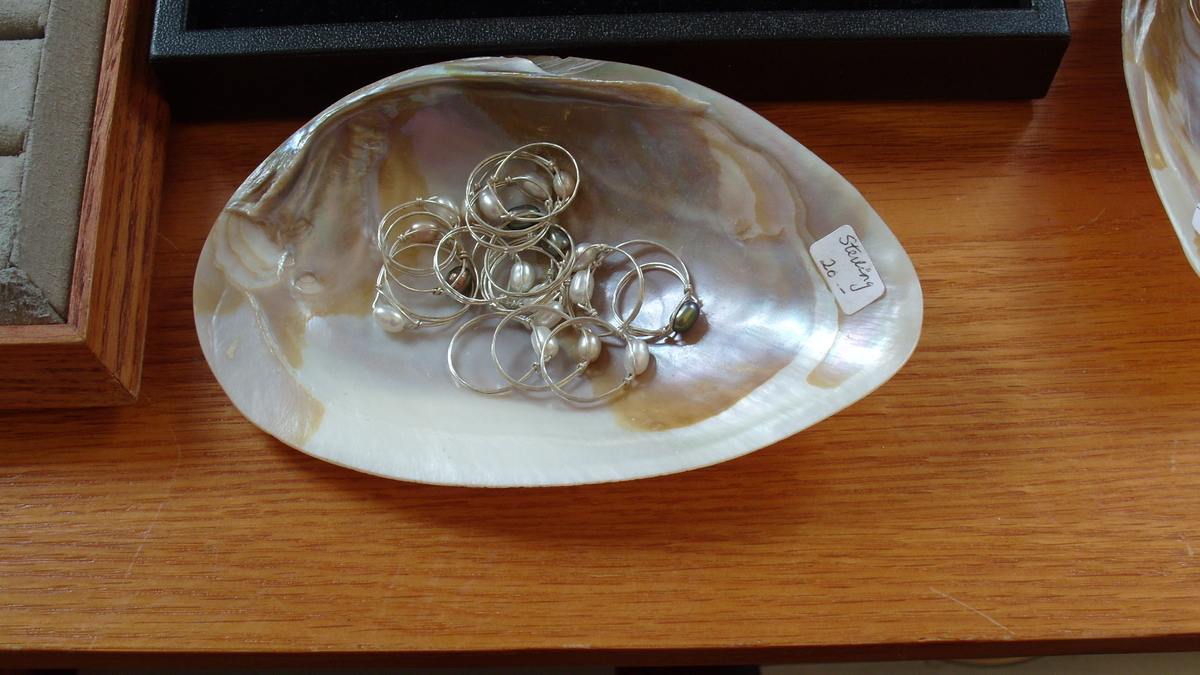 Fresh Water Pearl rings (large view)