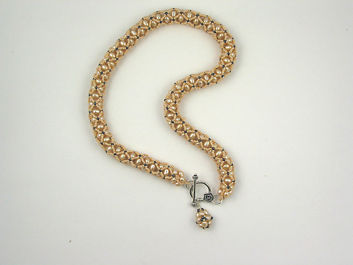 Peach Pearl Netted Necklace (large view)