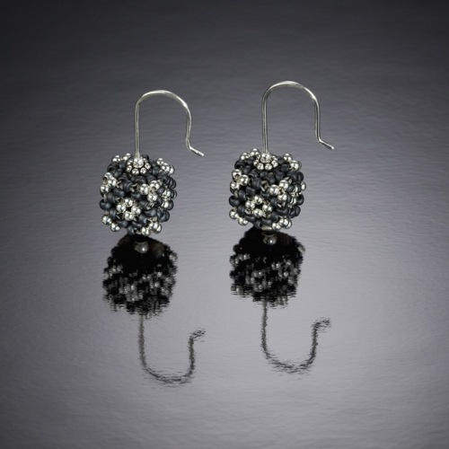 Cube One Earrings (large view)