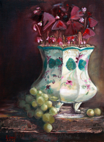 Purple Shamrocks with Green Grapes