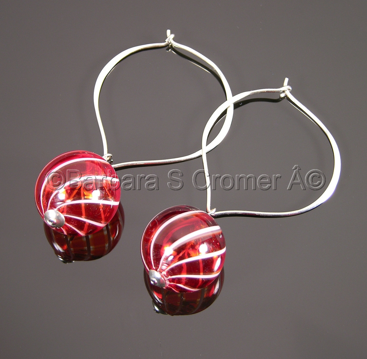 Red with white stripes Venetian bauble earrings (large view)