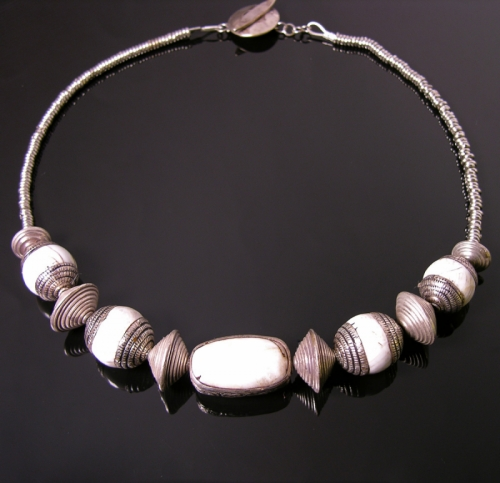 Tibetan conch shell + silver beads with Thai silver