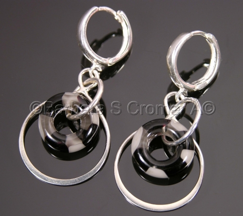 Silver circles with Venetian lamp work rings earrings