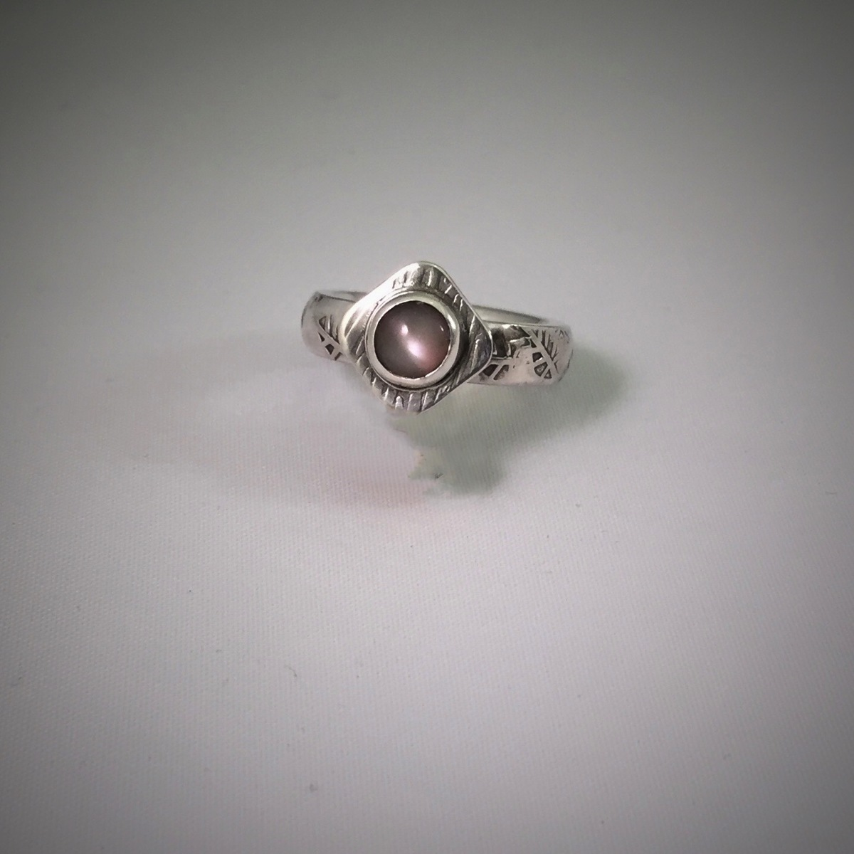 Hollow Patterned Silver Ring With Grey Moonstone (large view)