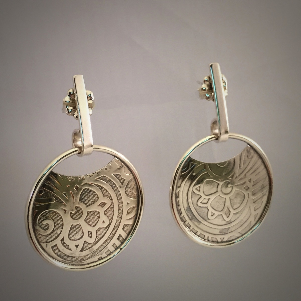 Banded Disc Post Earrings (large view)
