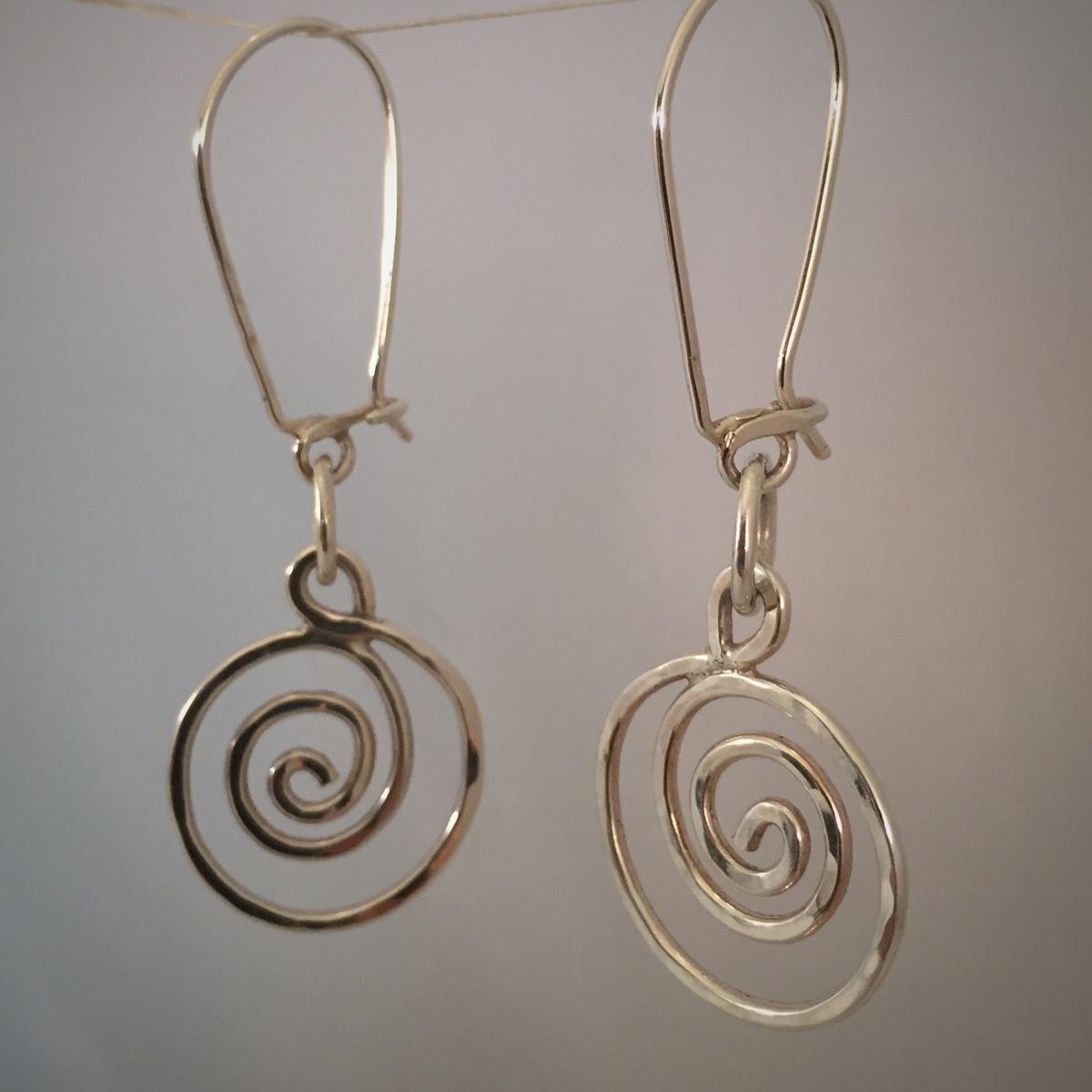 Kinetic Swirl Series Earrings 1 (large view)