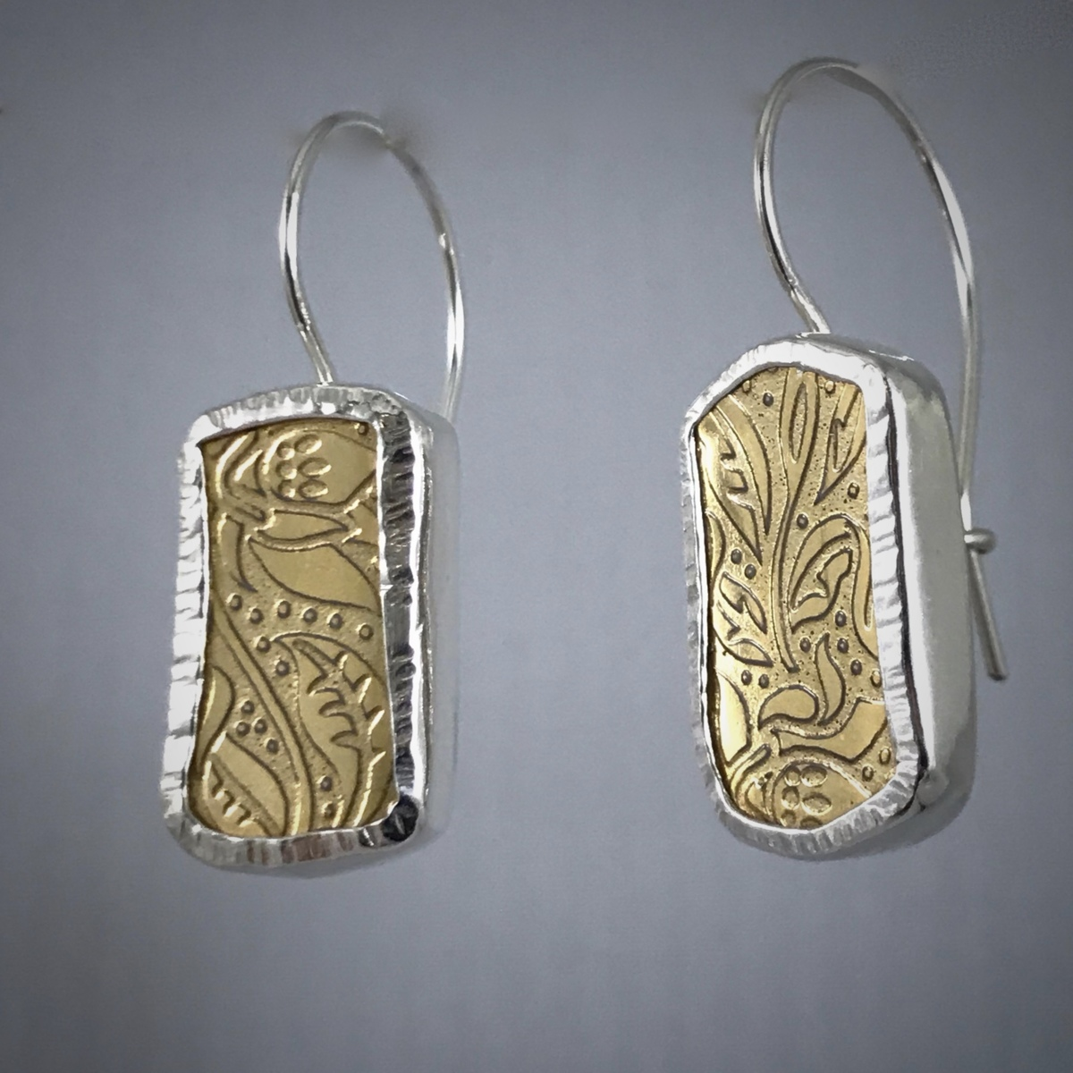 Wedgwood Cab Earrings (large view)
