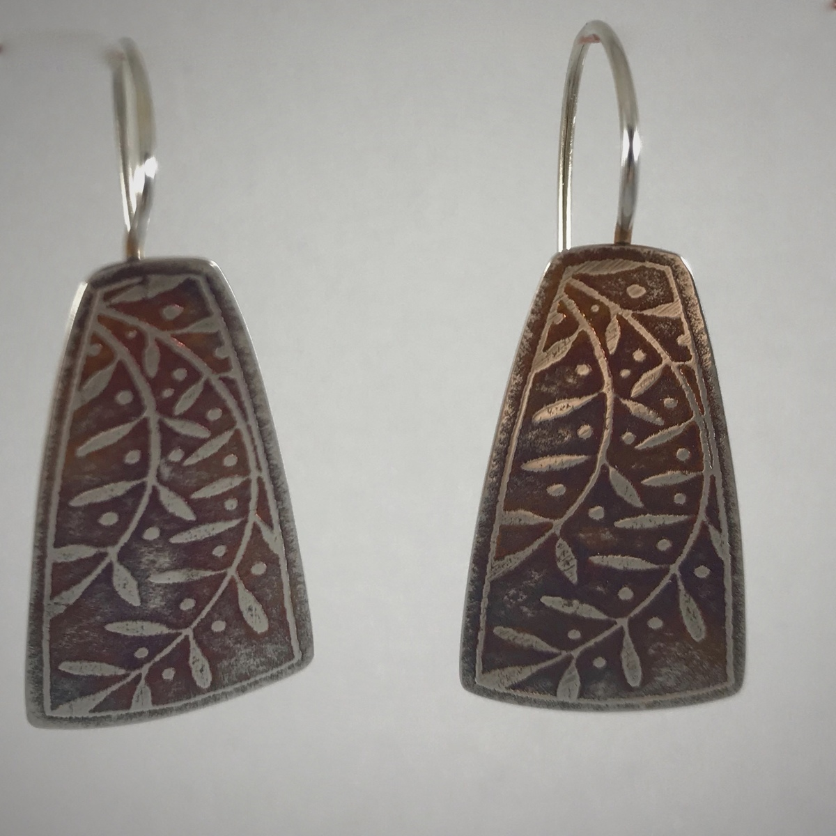 Vined Trapezoid Earrings (large view)
