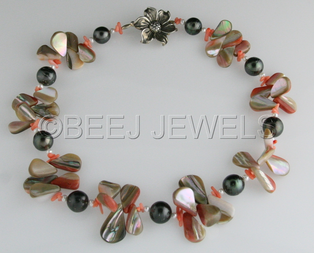 South Sea Pearl Necklace - BATEN KAITOS (large view)