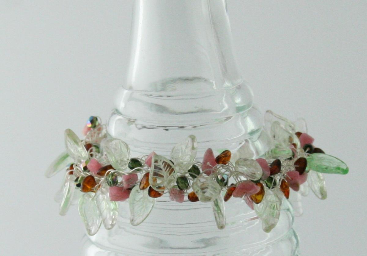 Sterling Silver Wire Crocheted Green Glass Leaf Bracelet - ALDEBARAN (large view)