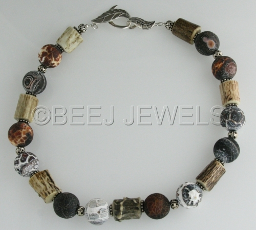 Acid-Washed Agate with Natural Antler Necklace - ASCELLA (large view)