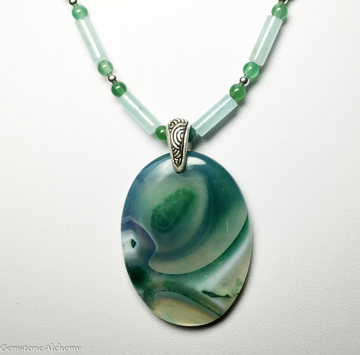 Universal Flow Pendant and Beaded Chain 24percent OFF (large view)