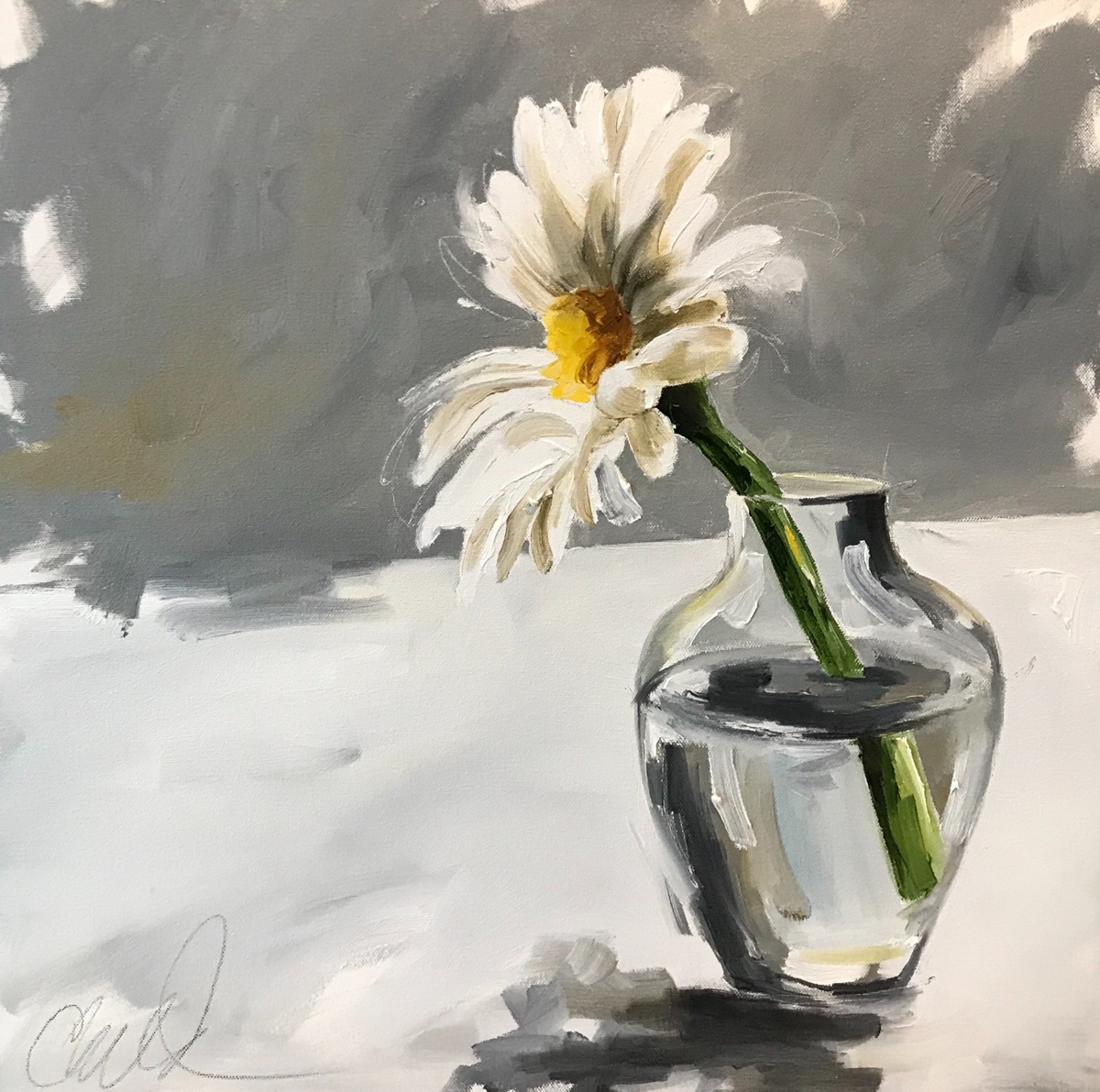 Study in White-Single Daisy (large view)
