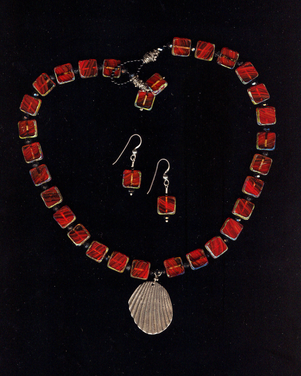 Red czech glass necklace (large view)