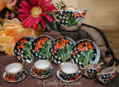Miniature Teapot Set Cups Saucers
