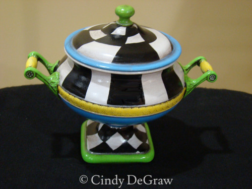 Pedestal Base, Bowl with Lid