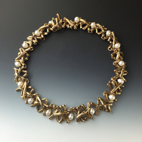 Twig collar with pearls