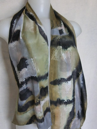 Picture Jasper Scarf in hand painted flat crepe silk (large view)