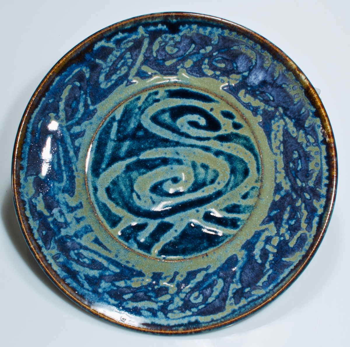 curly blue plate (large view)