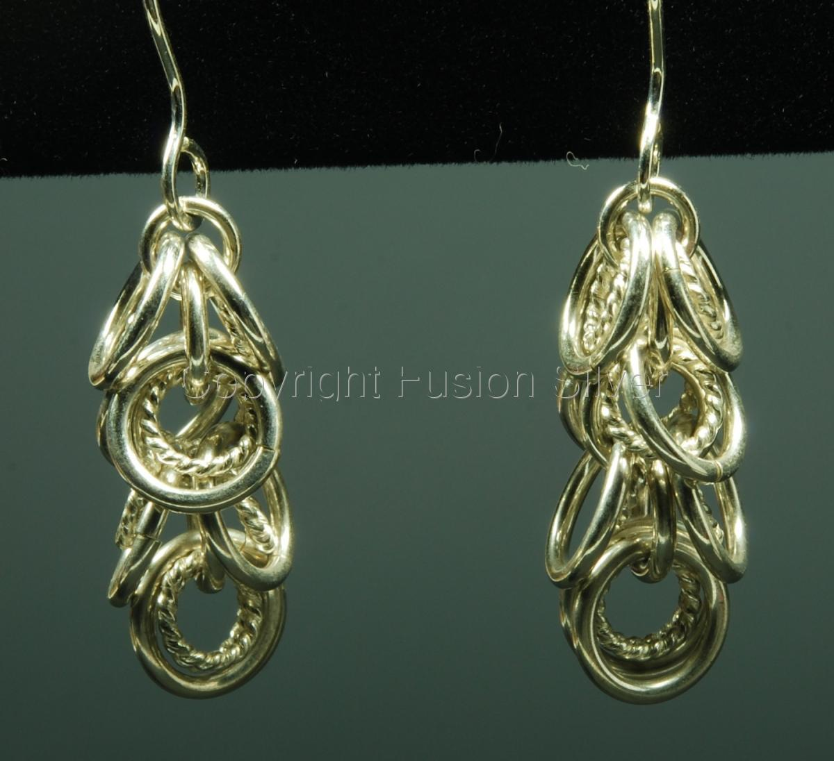 Short Shaggy loop earrings with Twisted wire (large view)