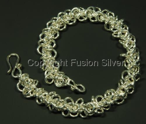 Shaggy Loop Bracelet (large view)