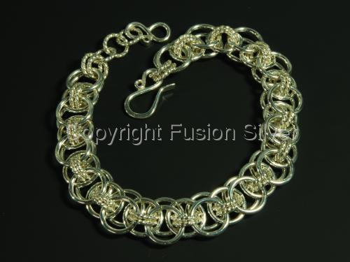 Helm Bracelet with Twisted Wire (large view)