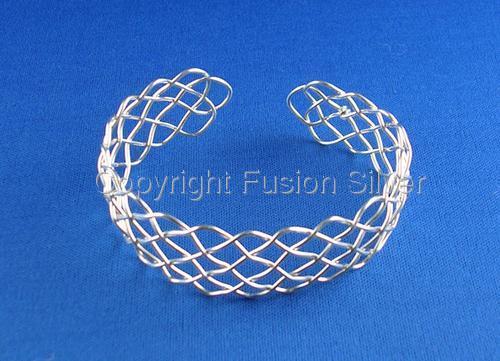 Prolong Knot Bracelet (large view)