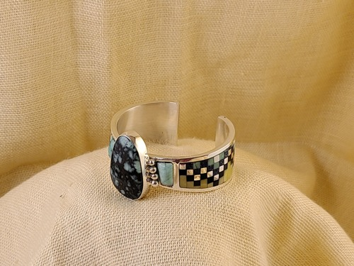 Inlay bracelet with green verisite cabochons