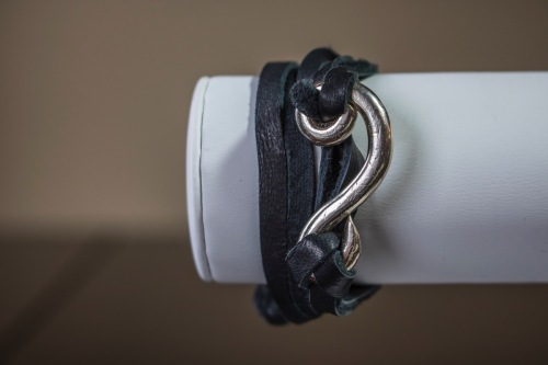Pure silver and suede bracelet